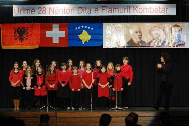 VOAL - Online Zëri i Shqiptarëve - Triptik shqiptar malli