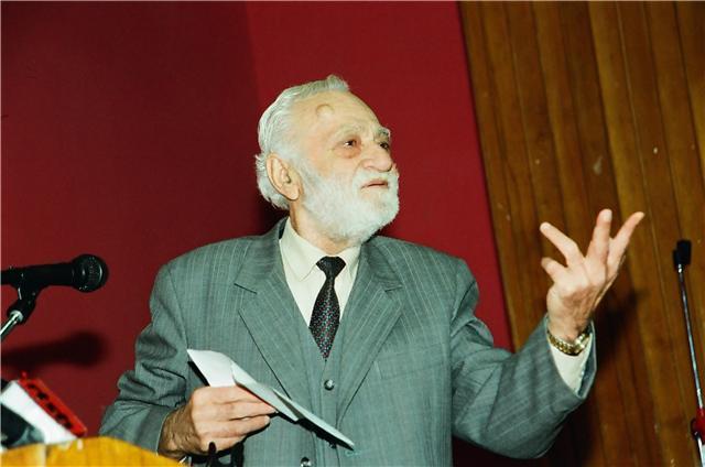 Kadri Roshi biografia
